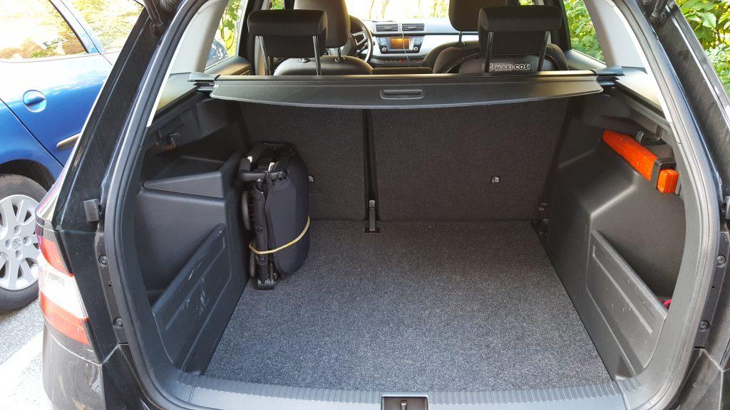har eksperimenteret med forskellige opbevaringsmuligheder i vores bil