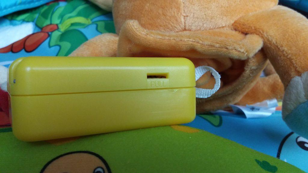 Tiny Love aktivitetscenter - Selve batteridelen i aben er forsvarligt gemt gemt væk