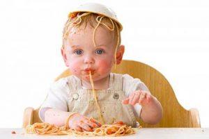 5-popular-mistakes-when-feeding-babies_2