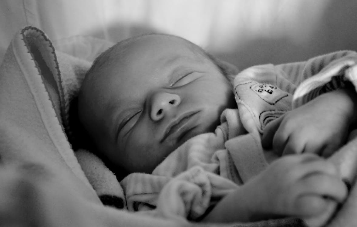 sovende baby udstyrsguide babyseng