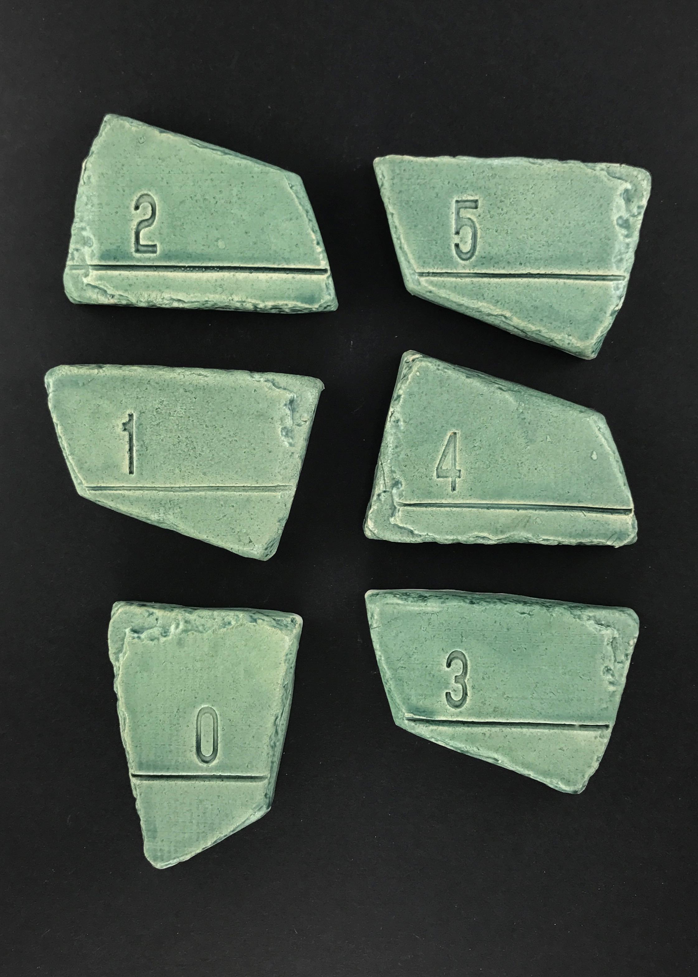 Vingl målværk 0-5 år - havgrøn målestok, 8 stk. på lager fra Vingl på pixizoo