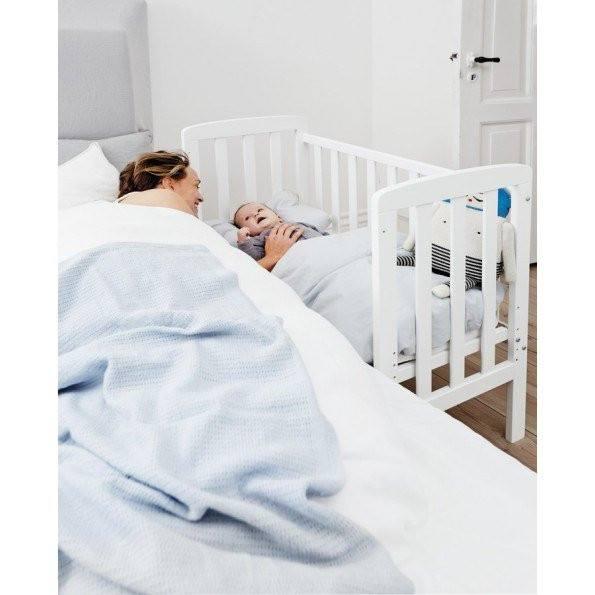 Baby Dan Alfred babyseng By-My-Side - hvid