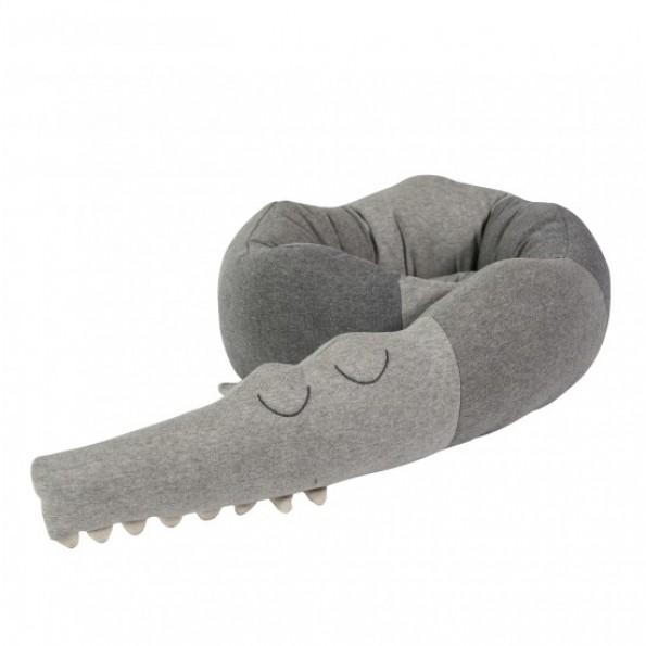 Sebra Strikket pude, Sleepy Croc - Grå