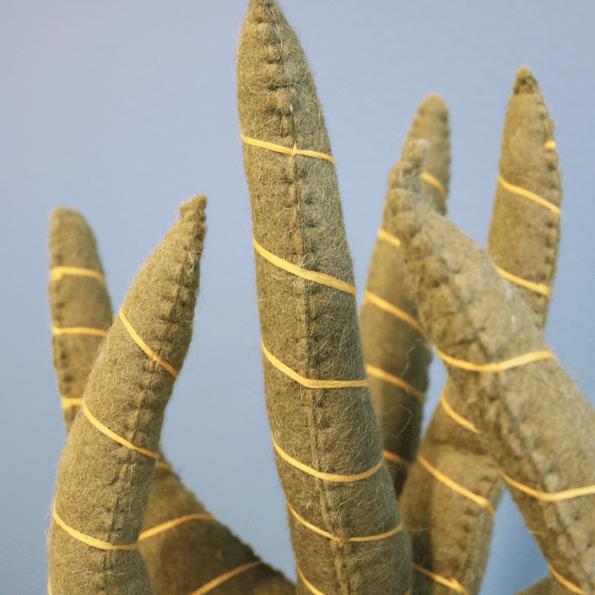 KidsDepot Sanseveria grøn plante - filt