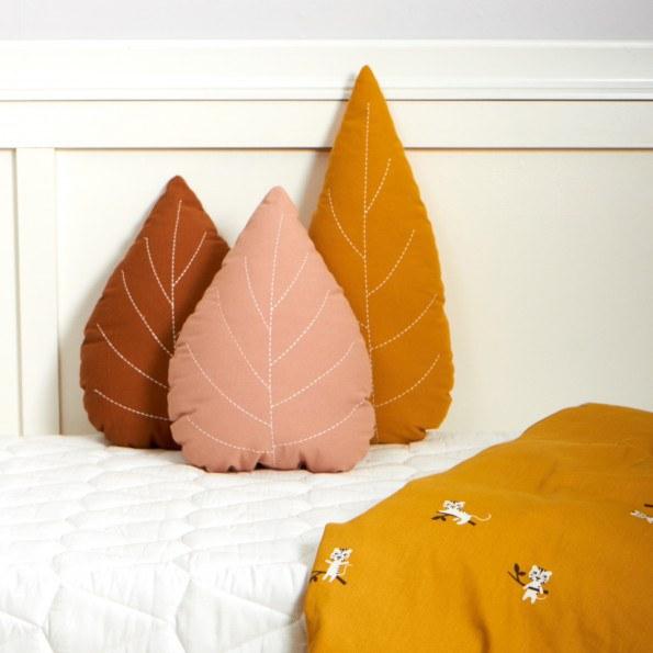 Roommate pude - okker blad