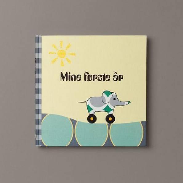 Specialday Mine første år - drengebog