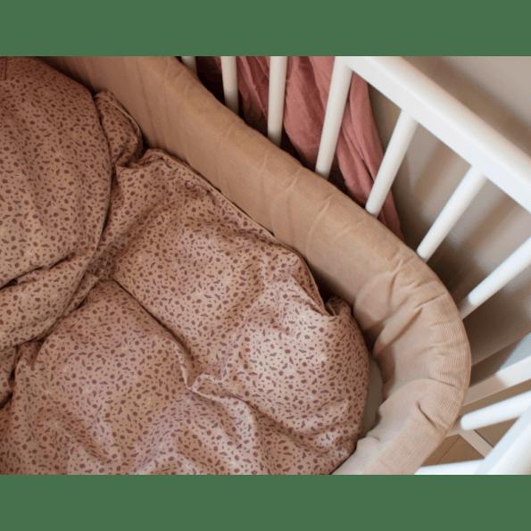 Filibabba Cosmos Daydream Babysengetøj 70x100 cm. - Doeskin