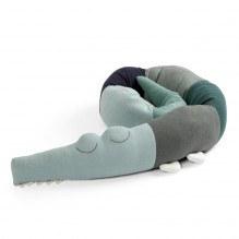 Sebra Sleepy Croc strikket pude - Hazy Blue